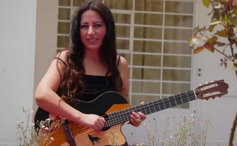 Pilar Reyes celebra 30 aniversario con concierto virtual