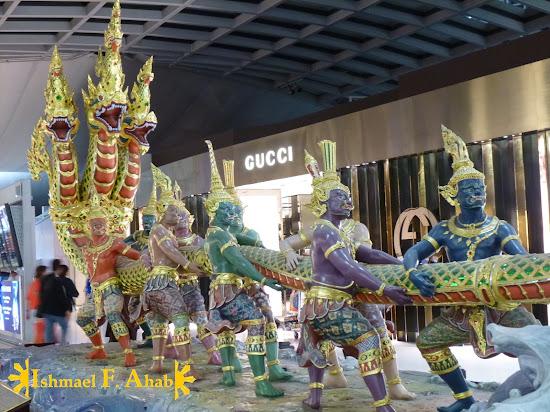 Angry naga in Suvarnabhumi Airport (Bangkok, Thailand)