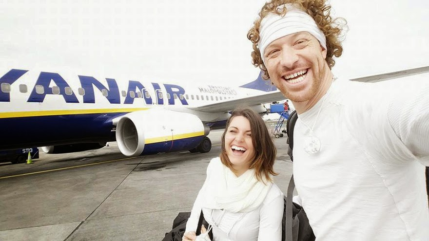 Ireland - Acrobat Couple Gets Married In 38 Different Places Around The World In 83 Days