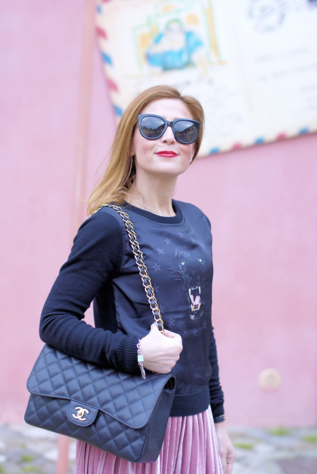Cesare Paciotti panther sweater, Chanel 2.55 caviar leather on Fashion and Cookies fashion blog, fashion blogger style