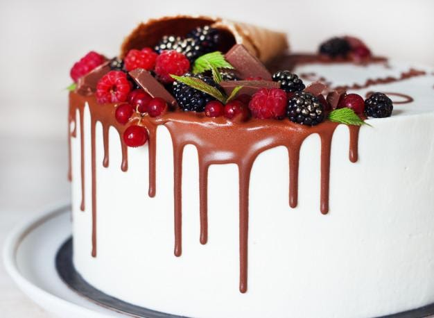 4 Plus Points Of Ordering Cake Online