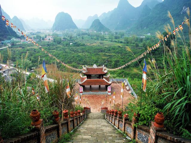 truc lam phat tich pagoda ban gioc vietnam