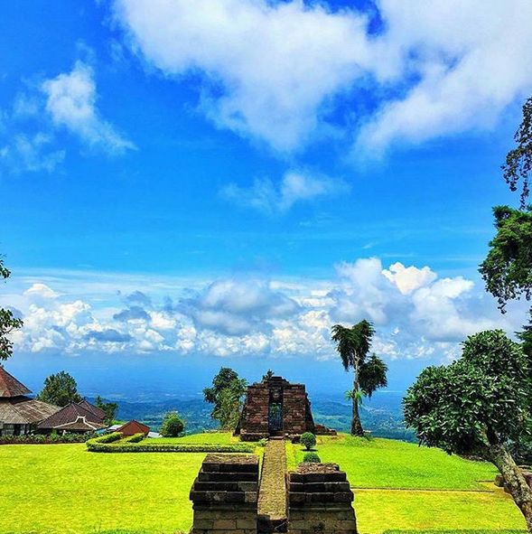 Tourist Attractions Around Mount Lawu