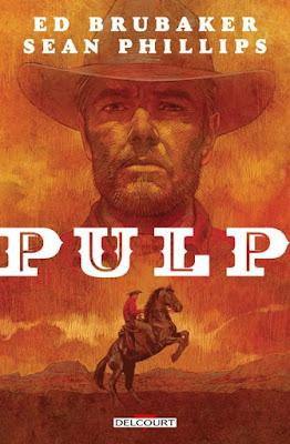 Couverture orange avec un visage de cowboy et en bas un cowboy monté sur son cheval cabré.