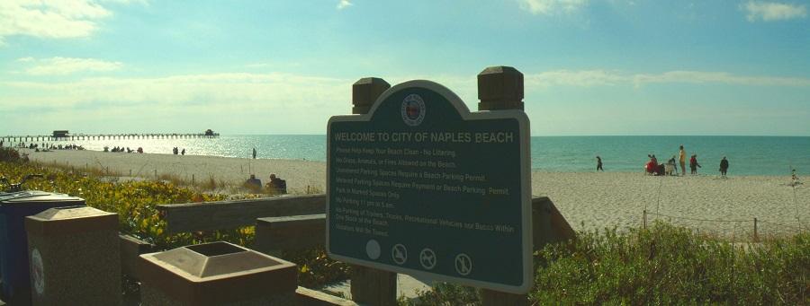 La playa de Naples