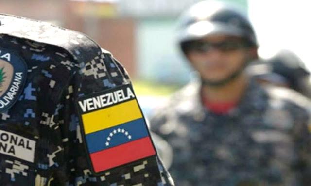 Cinco soldados desertores de Venezuela