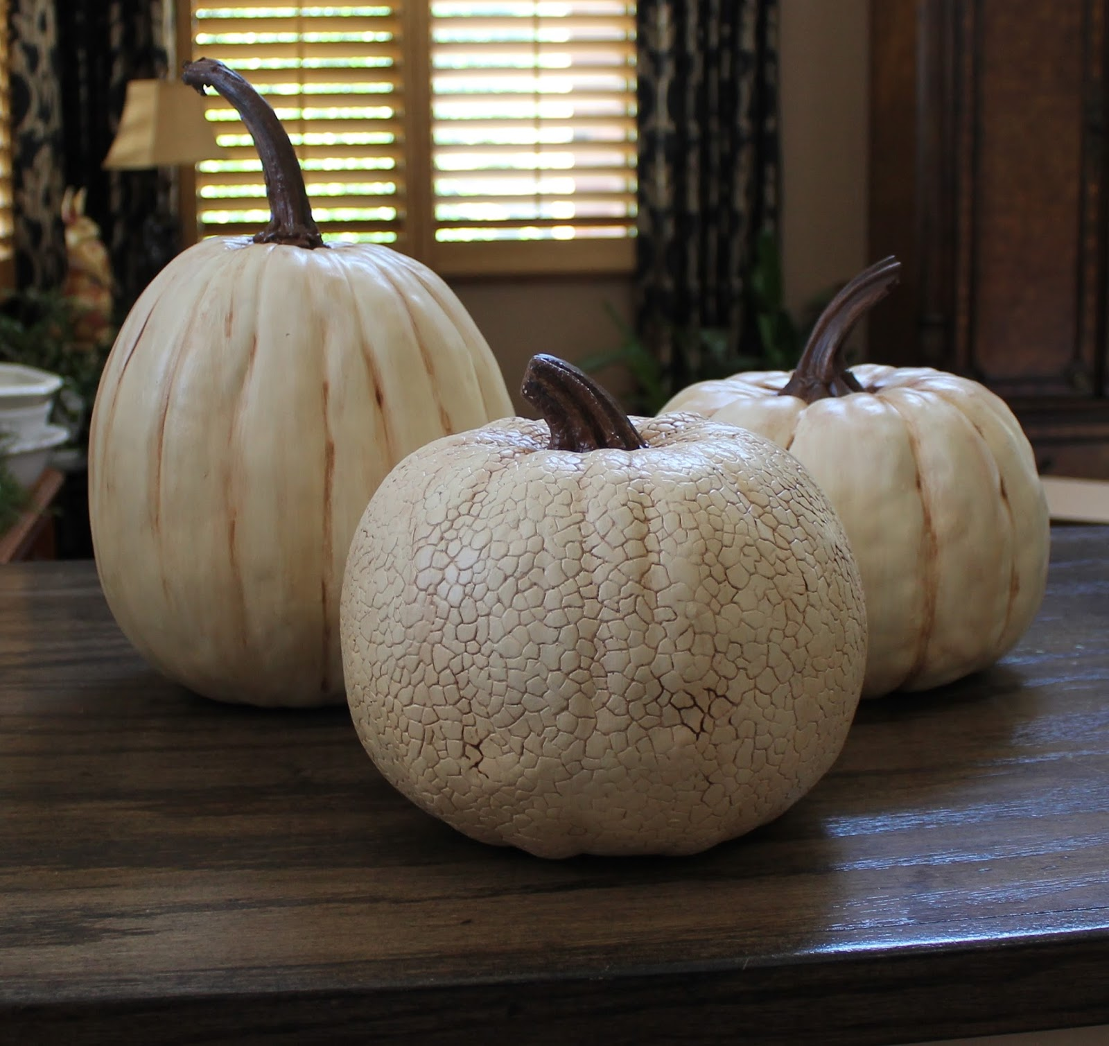 Southern Seazons: It's pumpkin painting time