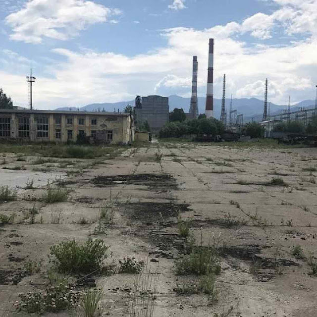 Baikalsk: fábrica abandonada em cidade a ponto de sucumbir