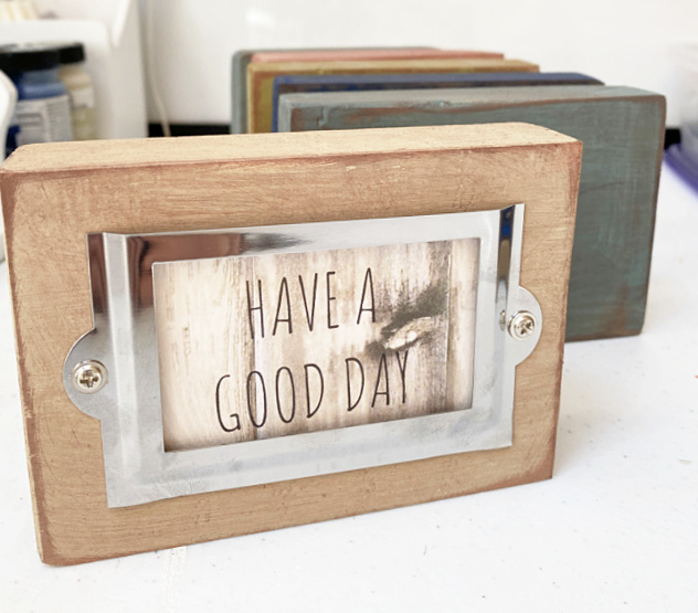 have a good day sign in label holder block