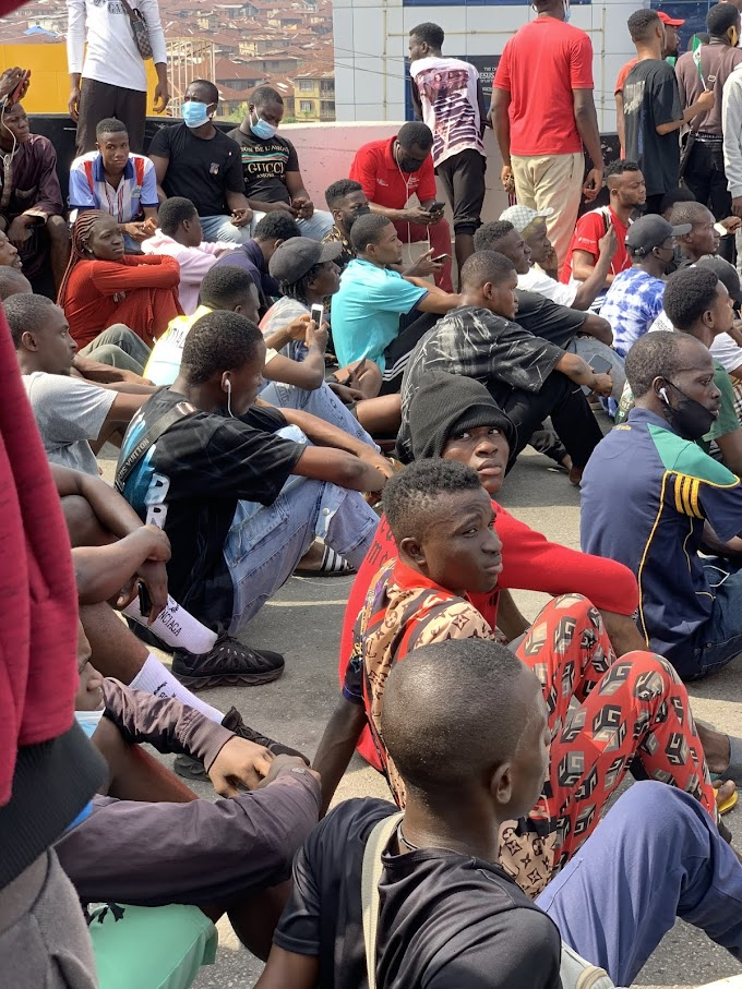 [News] Youths on Saturday protested in Ibadan, Oyo State over the growing insecurity and poverty in Nigeria.