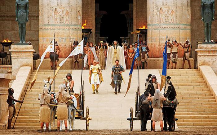 Ramses şi Moise în epopeea biblică Exodus: Gods And Kings