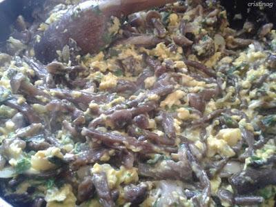 Ghebe cu ou, urzici, usturoi verde și pătrunjel - Rețetă vegetariană, fără gluten