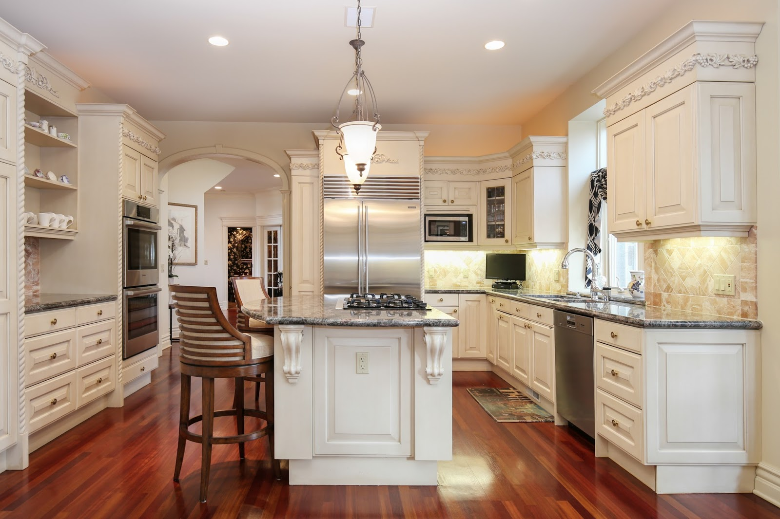 real estate photographer kitchen Northville Canton Novi Ann arbor