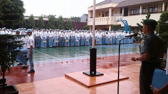 Dandim 0508/Depok Ambil Apel Pagi di SMAN 2 Depok