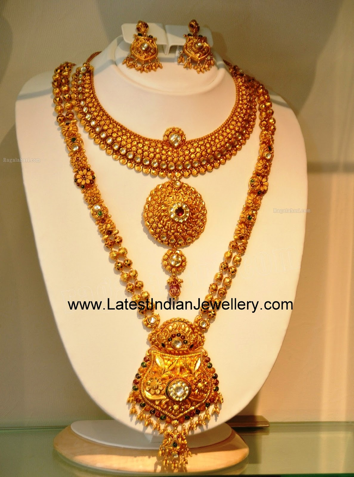 Latest Gold Bridal Jewellery Sets With Long And Short