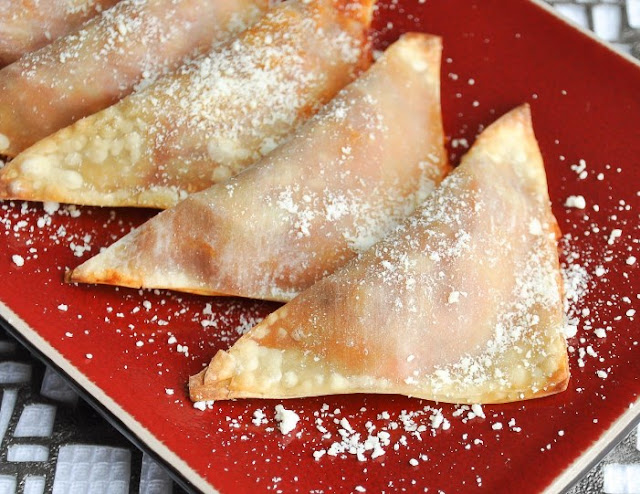Easy Keto Pizza Turnovers #lowcarb #snacks