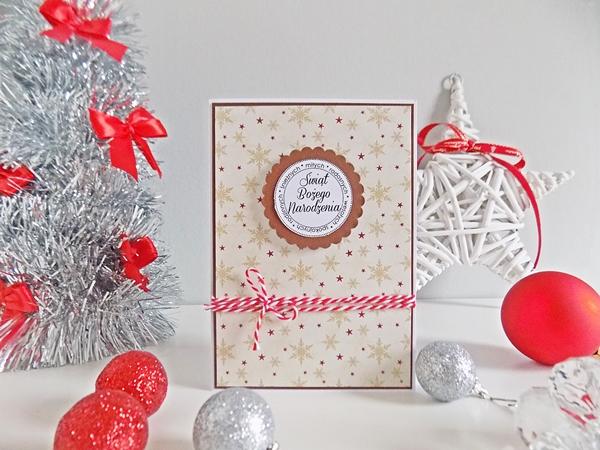 kartki świąteczne, scrapbook, Boże Narodzenie, DIY, zrób to sam, sznurek, wstążki, papier, czerwony, biały, święta, chrostmas, kratka, choinki, gwiazdka, święty mikołaj, kartki świąteczne, kokardki, gwiazdki, handmade