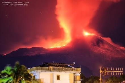 Ξύπνησε το ηφαίστειο της Αίτνας στην Ιταλία (video)