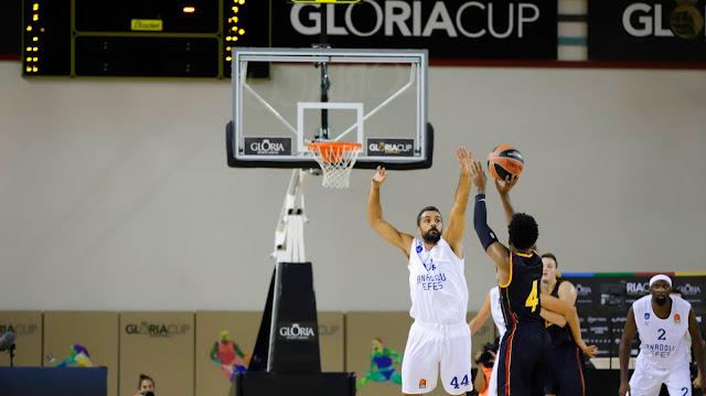 Gloria Cup | Anadolu Efes karşısında kafa kafaya!