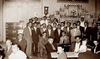 Café de La Pobla de Lillet 1957, jugadores y clientes
