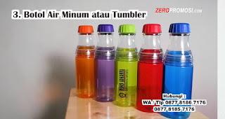 Tumbler atau Botol Air Minum merupakan salah satu hadiah untuk cewek yang doyan makan