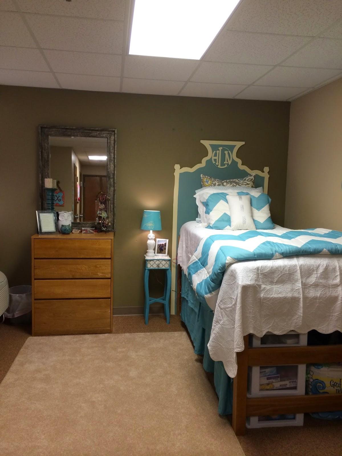 My Life As Hayden Sophomore Dorm Room