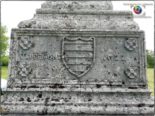 SAXON-SION (54) - Croix Sainte-Marguerite (1622)