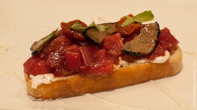 Tosta atún y trufa El Campero restaurante recomendado Cadiz Barbate almadraba