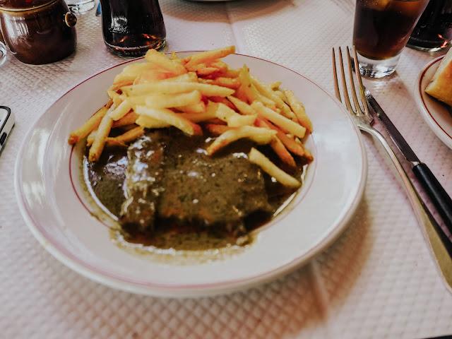 Le relais de l'entrecote steak frites