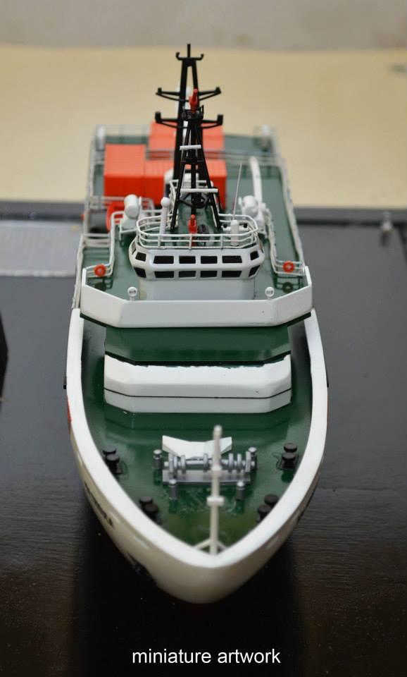 souvenir miniatur kapal kn trisula p111 kplp kesatuan penjaga laut dan pantai sea and coast guard planet kapal termurah terpercaya