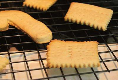 Bánh quy bơ quế mừng giáng sinh
