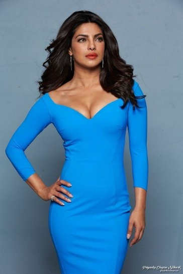 Top Five Indian Actress -  Today I m going to discuss the top 5 Indian Actress. Top 5 Bollywood Indian Actress are very hot and sexist. They are Gorgeous Indian Actress of the world. Bollywood Industry and Bollywood Actress are very famous in the world.