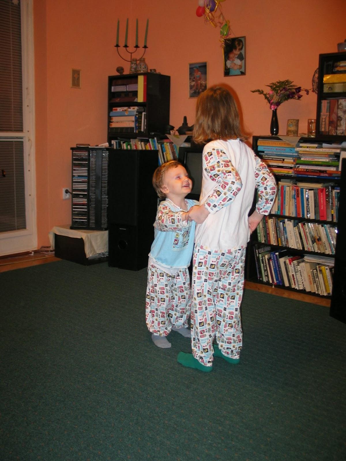 Tancování v pyžamech
