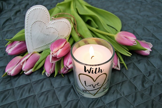 The homemade recipe for making natural scented candles