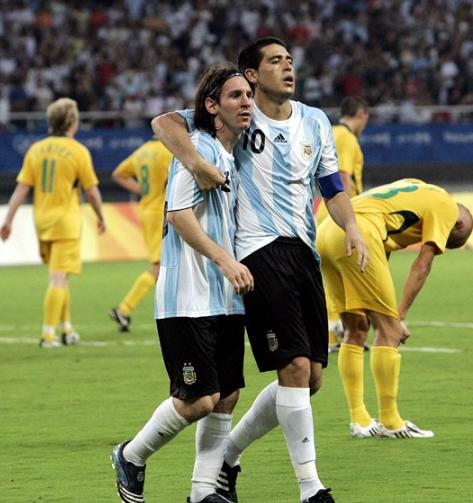 Không Riquelme, Messi cũng trở nên cô đơn