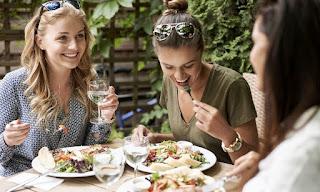 Ways To Make Your Restaurant Summer-Friendly