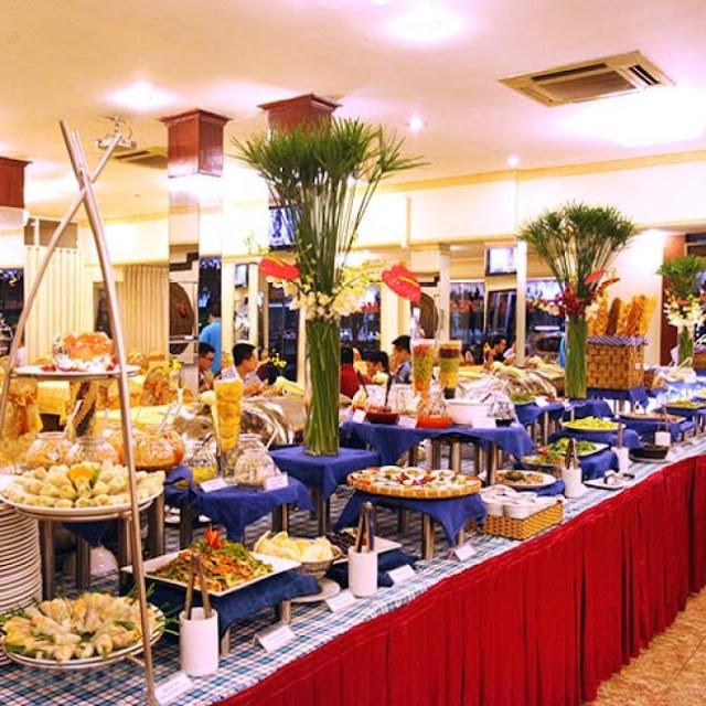 Khu ẩm thực với nhiều món ăn nổi tiếng, hấp dẫn