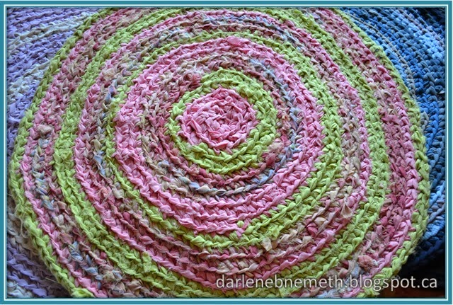 This Round Rug Was Made From An Old Comforter And The Coordinating Bottom Sheet The Seams Had Come Out Of The Comforter And The Batting Was Bunched Up