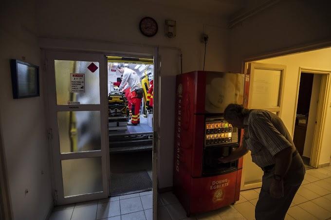 Egymillió forintot vittek el egy tatai kávéautomatából
