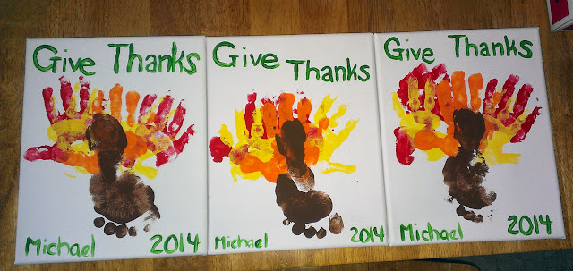 Thanksgiving decoration with kids hands and feet, hands and feet paint project for Thanksgiving, crafting with kids,