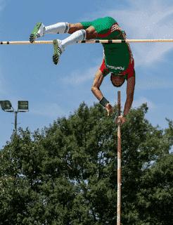 Lompat Galah : Pengertian, Teknik Lompatan