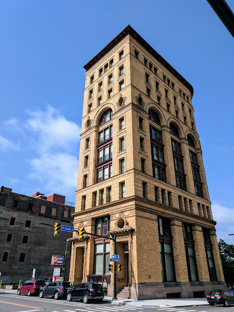 A self-guided architecture walk in downtown Buffalo: Dun Building