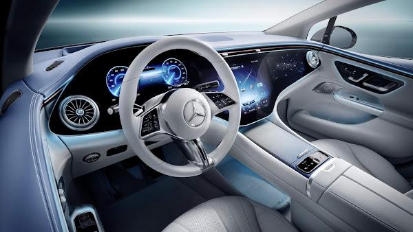 Mercedes-Benz apresenta sedan elétrico EQE com autonomia de 640km