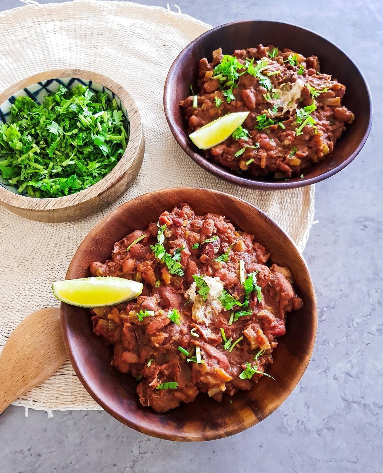 Vegan Bean Chilli Recipe - Easy to Make Healthy Vegan Recipe - budget Friendly Vegan Recipes - Delicious vegan recipes