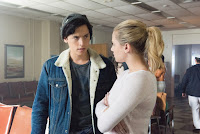 Riverdale Season 2 Lili Reinhart and Cole Sprouse Image 2 (19)