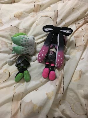 Squid Sisters plushies Marie Callie face-down backside tentacles