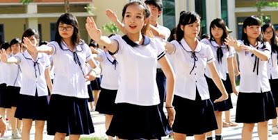 Đồng phục học sinh màu trắng đen