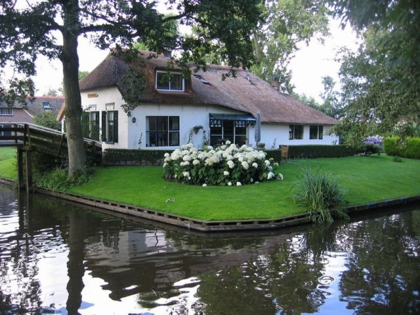 Laptop Travel: Giethoorn, Netherlands - Image 7 - Lounging at the Waldorf