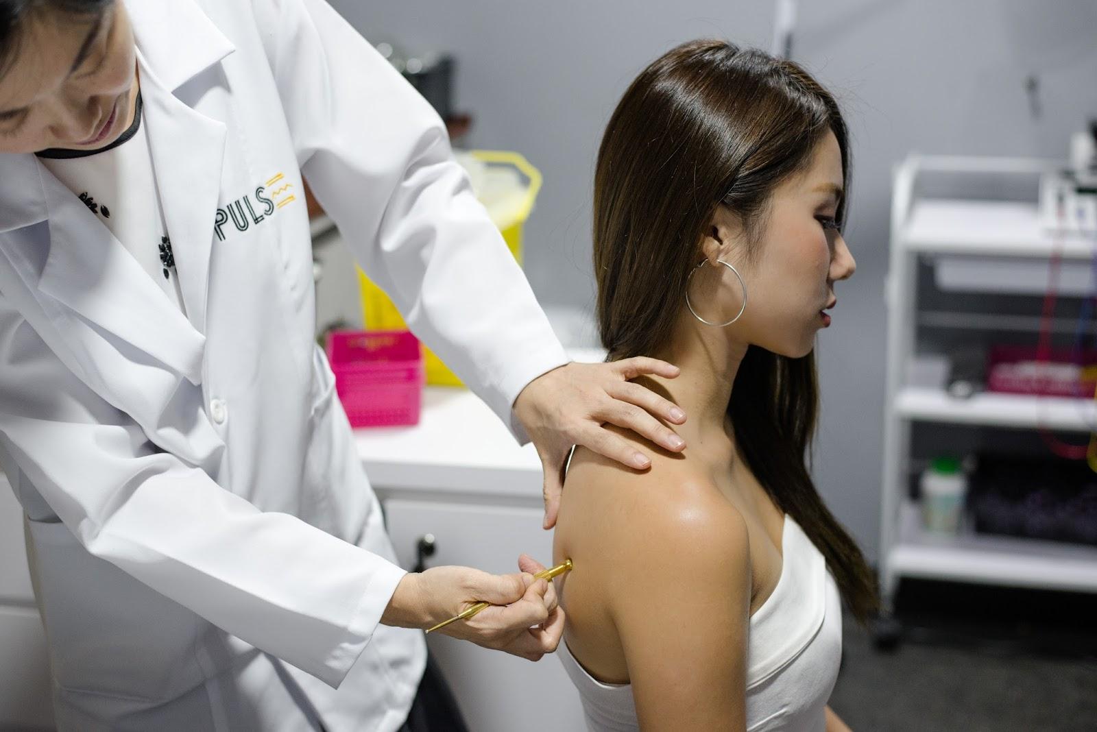 rounded shoulders, acupuncture, tcm, PULSE TCM