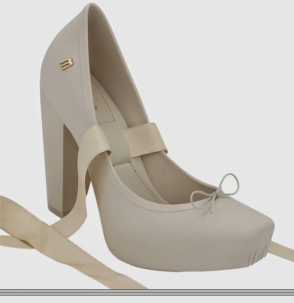 0b4e374e0d Tem tanto sapatilha quanto sapatos de salto, tudo com o design e tecnologia  característicos da Melissa, e você pode comprar online no site deles, ...